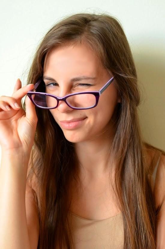 dziewczyna-w-okularach