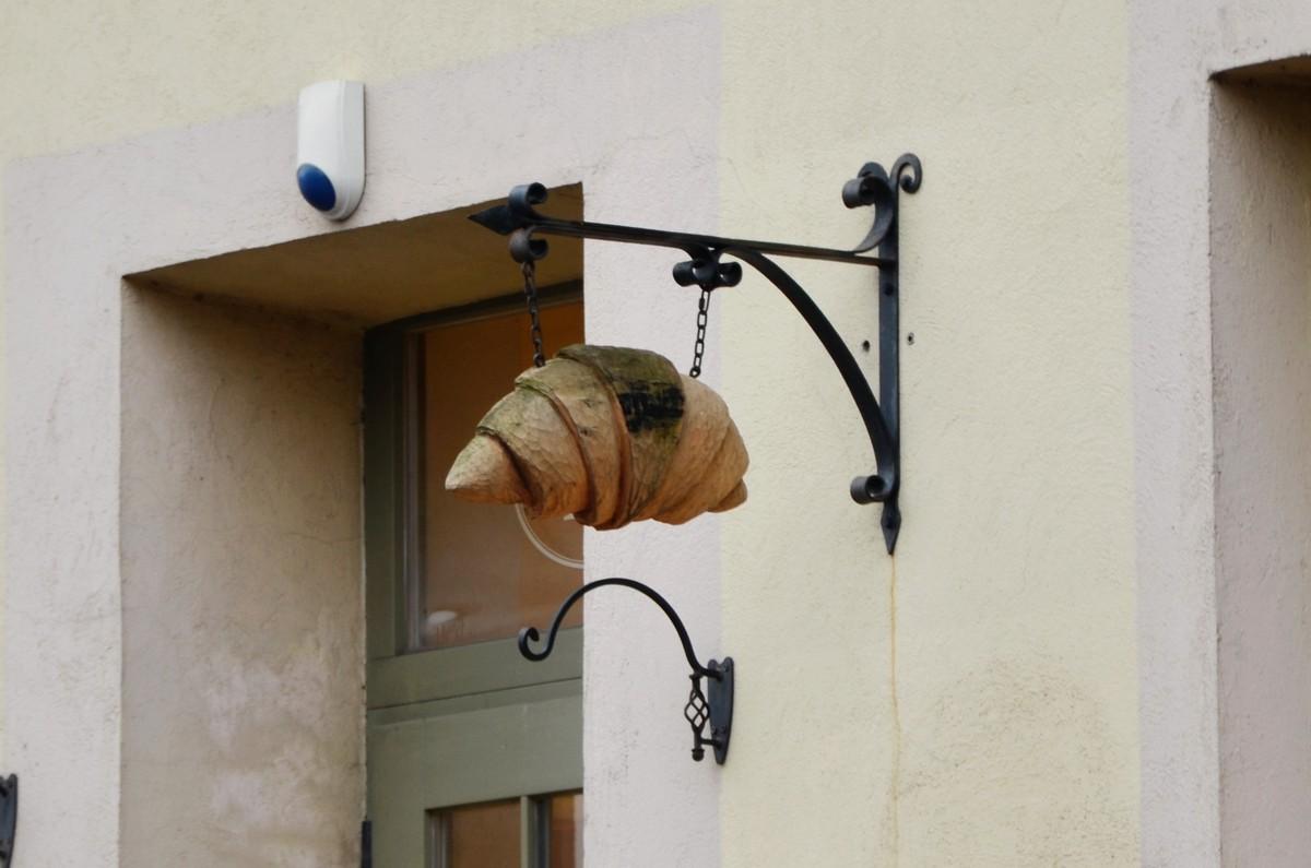 Wilno szyld croissant