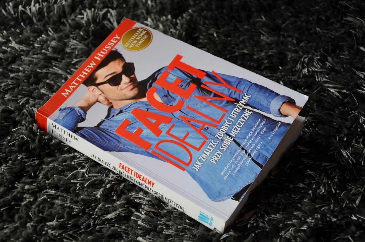 recenzja książki facet idealny