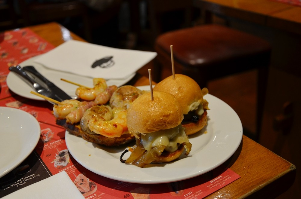 Barcelona tapas hamburger